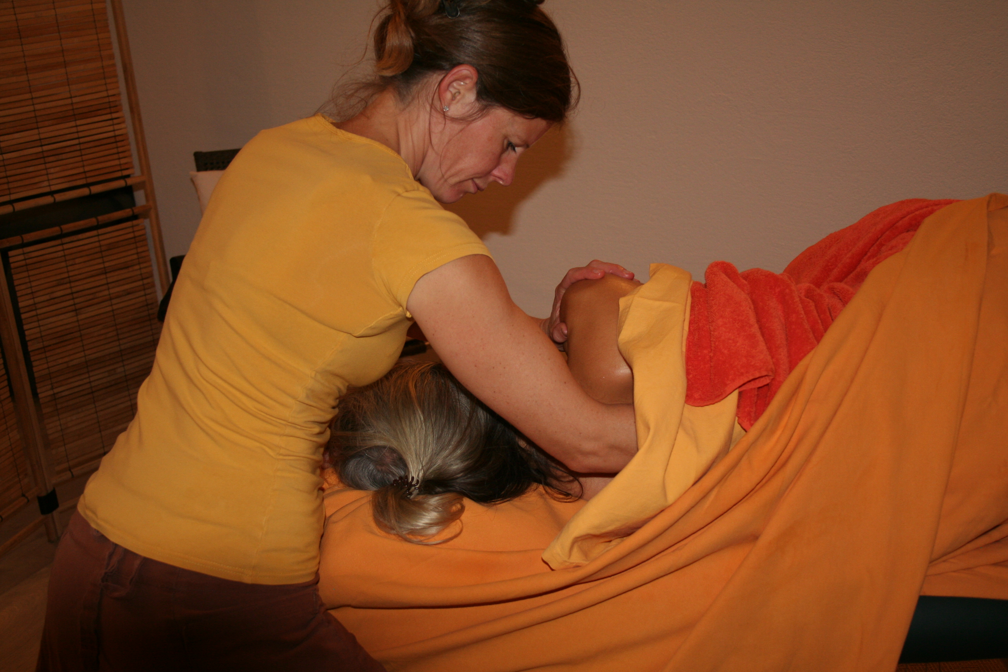 Massage in Seitenlage